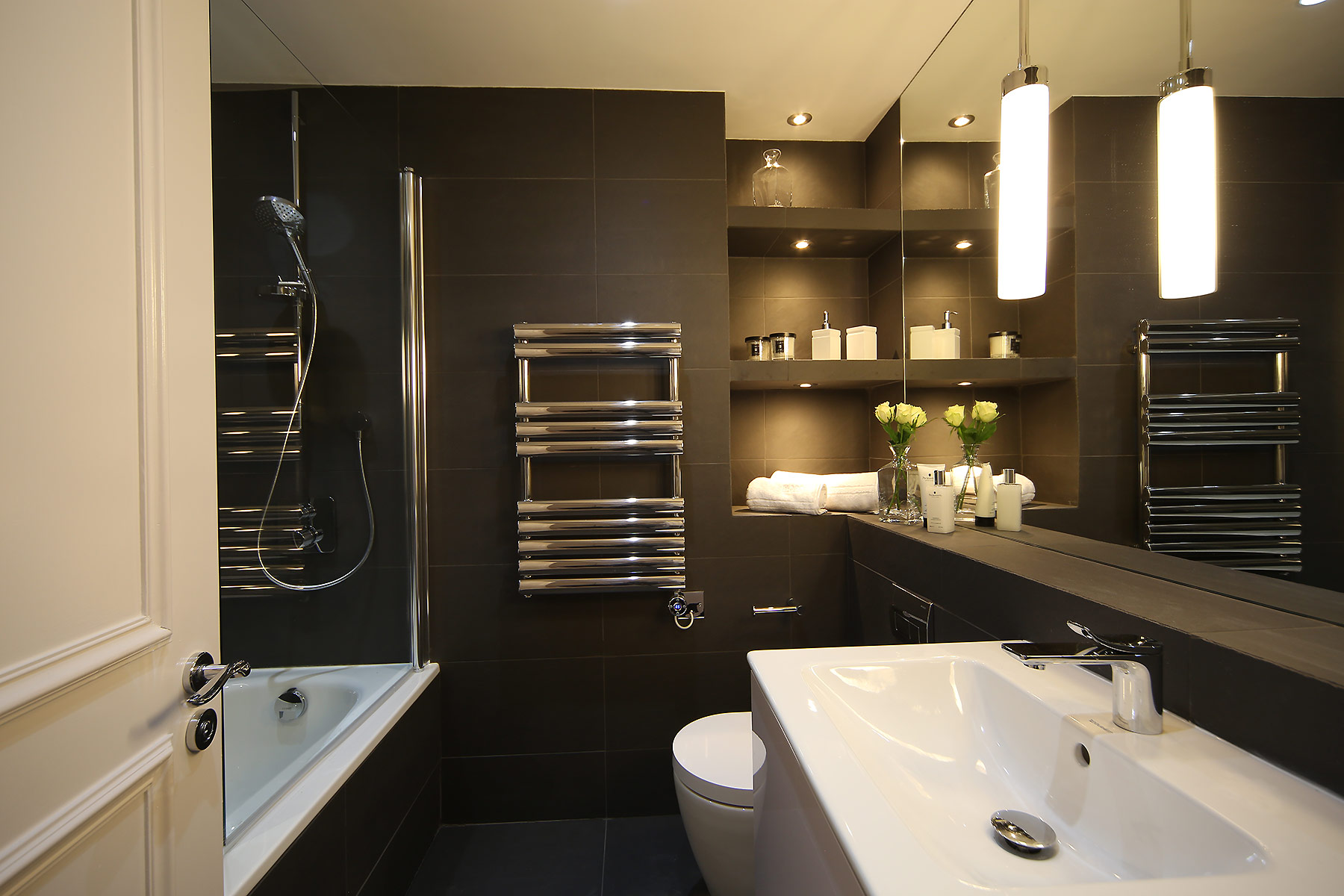 Goucester Gardens Apartment bathroom GHK Architects